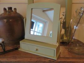 Brocante spiegel met sieradenlade, zachtgroen