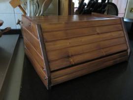 VERKOCHT Oude brocante houten broodtrommel