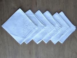 Handgemaakte witte linnen servetten met kantwerk, set van 6 stuks