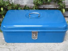 Oude blauwe emaille broodtrommel