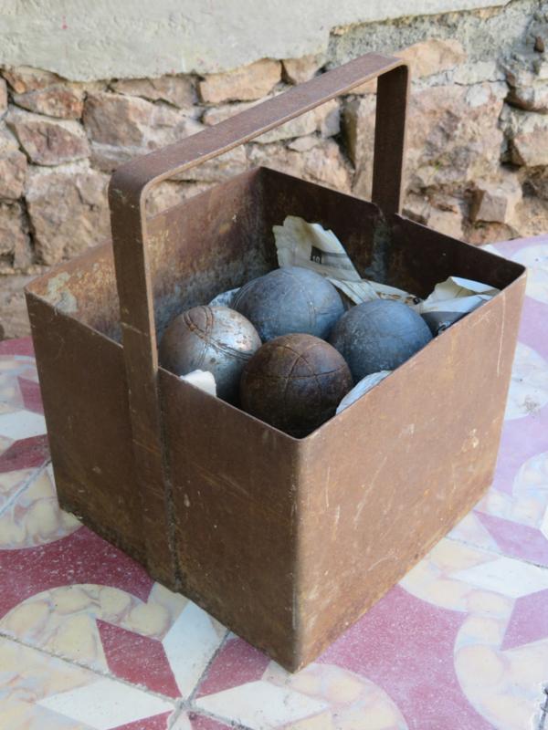verkocht* Oude Franse metalen kist