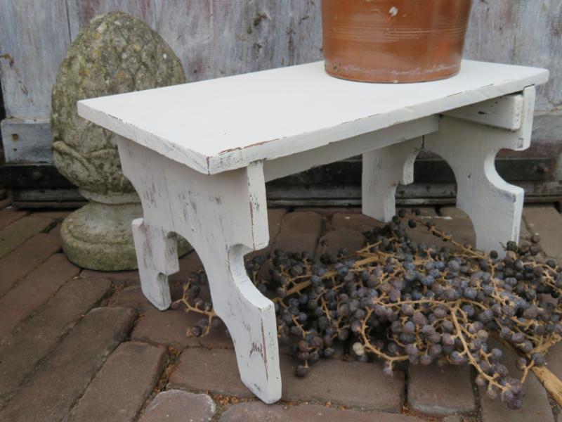 Wonderbaar Oud wit houten krukje / voetenbankje | * Stoelen, Krukken en UC-11