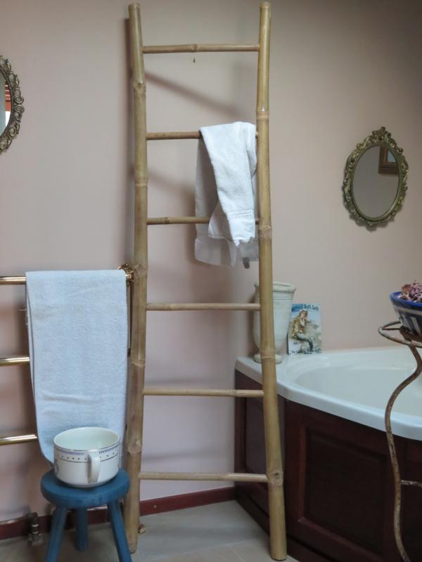 Brocante bamboe ladder handdoekenrek, 180 cm hoog