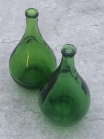 Kleine groen glazen flesjes/vaasjes