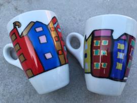 Kleurrijke mokken  huizen Yong
