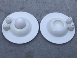 Set eierdopjes met peper en zoutstrooier Yong