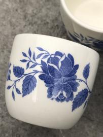 Eierdopjes blauw bloemmotief