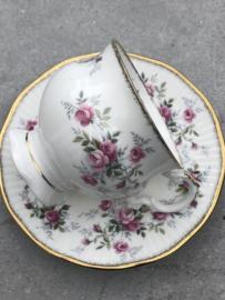 Engels koffiekopje Elizabethan Staffordshire