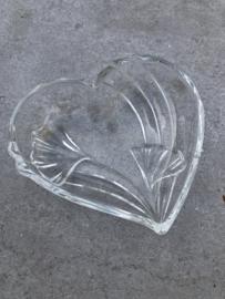 Hartvormig glazen schaaltje