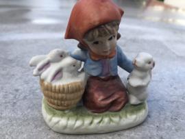 Beeldje meisje konijntjes