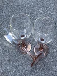 Set wijnglazen zalmkleurige voet
