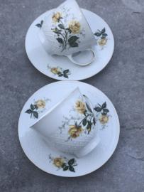 Brocante koffiekopjes gele roos  Seltmann Weiden