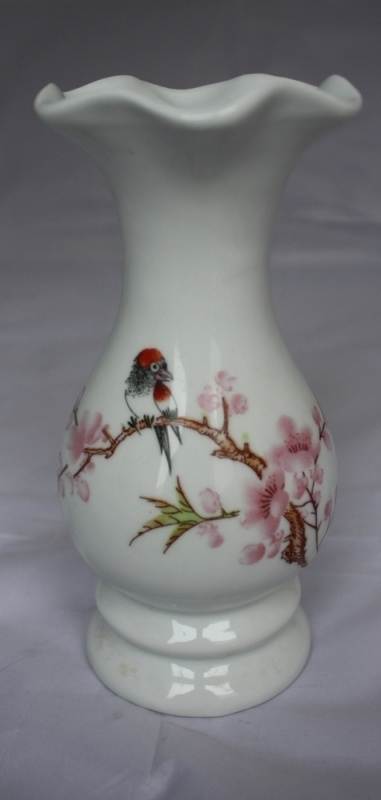 Chinees vaasje met bloemen en vogel