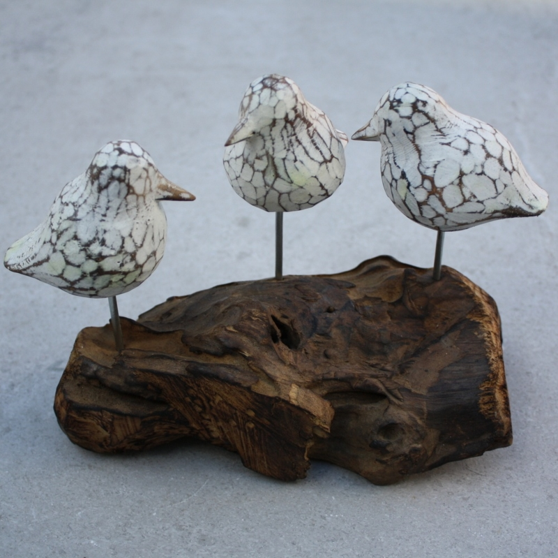 3 vogels op houten voet wit 1