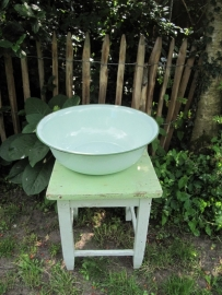 Grote mooie oude brocante (mint)groene emaille ronde bak.