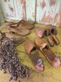 Oude houten schoenenmal