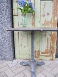 Oude Franse metalen tuin- of bistrotafel