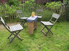 Brocante set van 4 houten opklapbare tuinstoeltjes