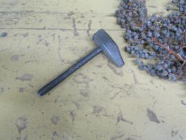 Antieke ijzeren hamer