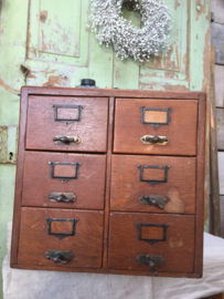 Antiek archief kastje