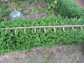 Mooie Franse brocante lange volledig houten kapstok met 9 haken
