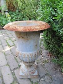 Franse oude tuinvaas of overpot