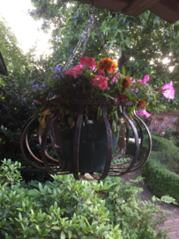 Brocante hanging basket