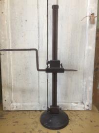 Oude metalen aftekenmeter