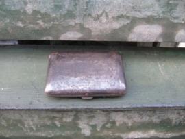 Frans brocante metalen sigarettenkokertje