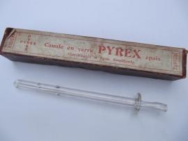 Oude glazen injectie canule