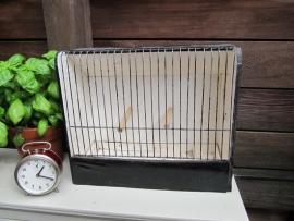 Oude brocante vogelkooi.