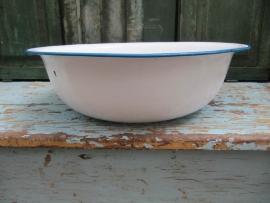 Emaille schaal in wit met blauw randje