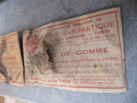 oude zakjes met gompoeder