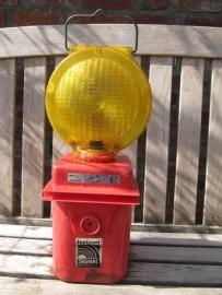 Leuke signaallamp met rood onderstel