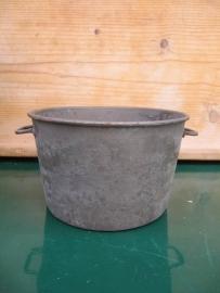 Frans brocante oud metalen rond bakje