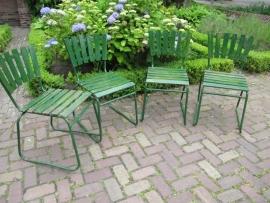 Mooie oude set van 4 metalen tuinstoelen