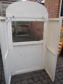 Oude houten poppenkast