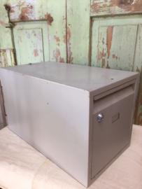 Brocant metalen archief kistje