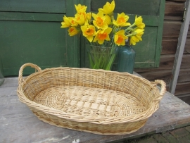 Brocante oval wicker basket with two ears