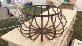 Brocante hanging basket
