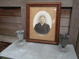 Beautiful very old oak frame with photo