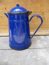 Brocante emaille blauwe koffiekan donkerblauw