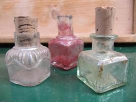 Set van 3 oude franse inktpotjes