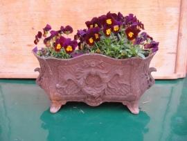 Antieke Franse gietijzeren bloembak