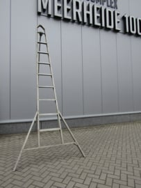 Oude aluminium trap
