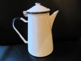 Emaille wit koffiepotje met blauw randje