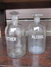 "Oude Franse apothekers flessen voor ""ether""  en ""alcool"" 500 ml"