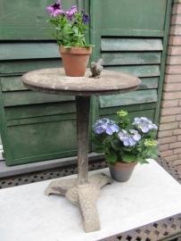 Antiek Frans rond gietijzeren tuintafeltje