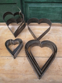 Brocante bakvormen set van 4 Hartvormig
