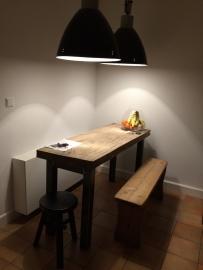 Keuken tafel met zitplaatsen